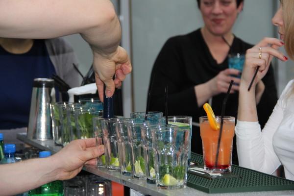 приготовление коктейлей на мероприятиях