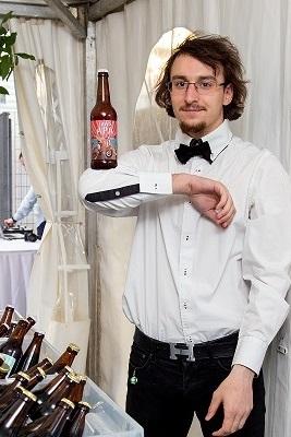 Роман - шоу бармен